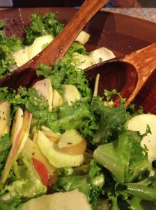 kohlrabi and apple salad_0