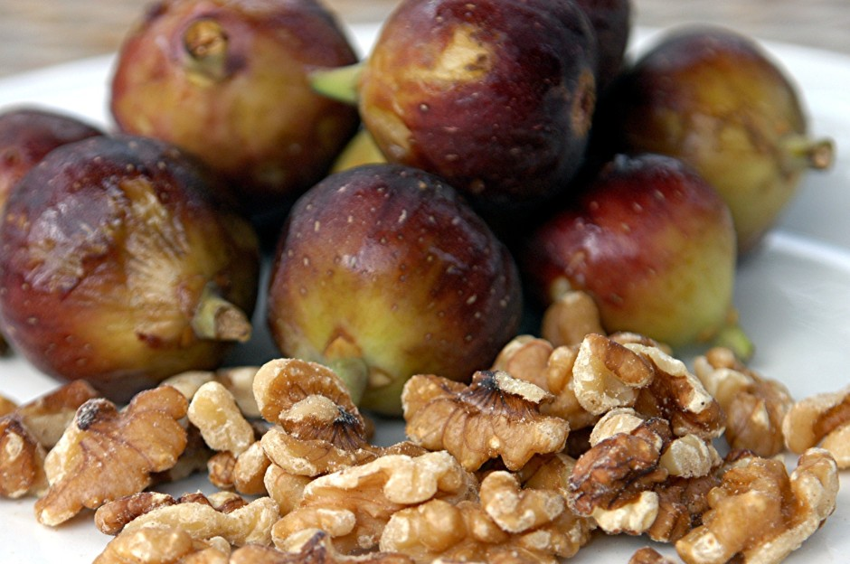 fig & nuts for salad
