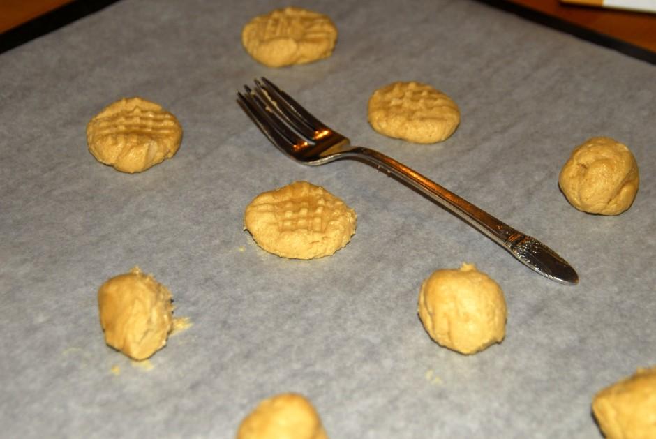 peanut butter crisscrosses dough